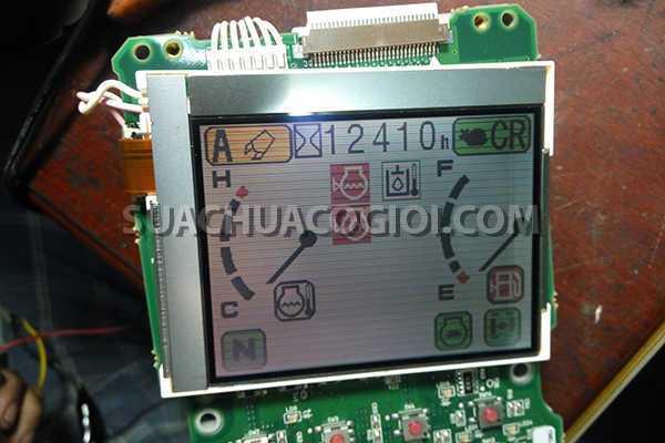 Sửa màn hình táp lô Komatsu PC200-7