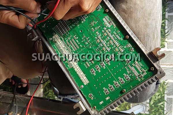 Sửa Hộp Đen Hitachi Zaxis ZX200