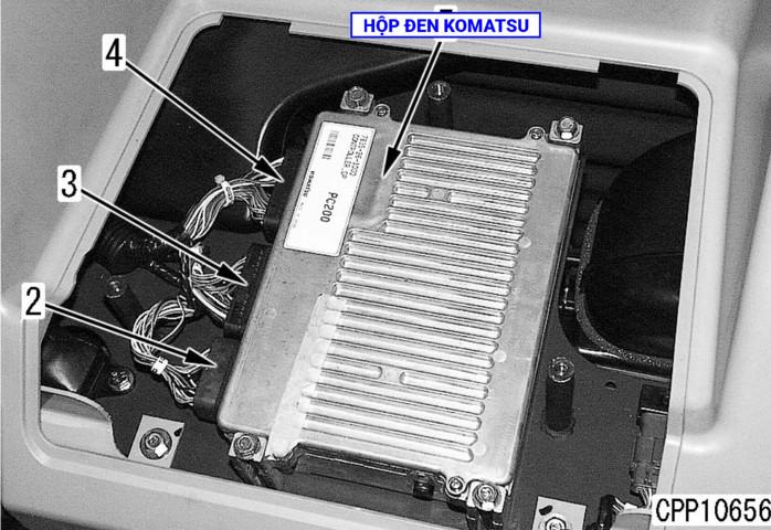 TIENPHONG IMG 0074 - Vị trí hộp đen máy xúc Komatsu
