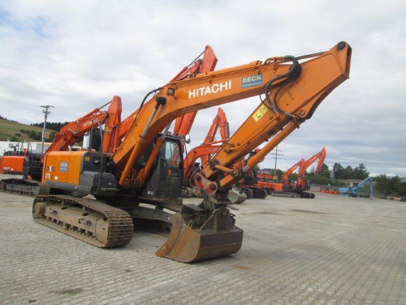 Giới thiệu máy xúc Hitachi