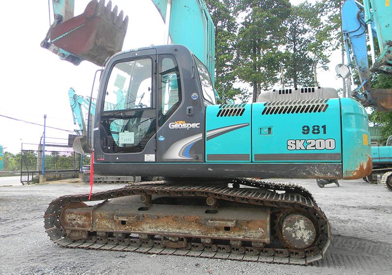 máy xúc kobelco sk200-8