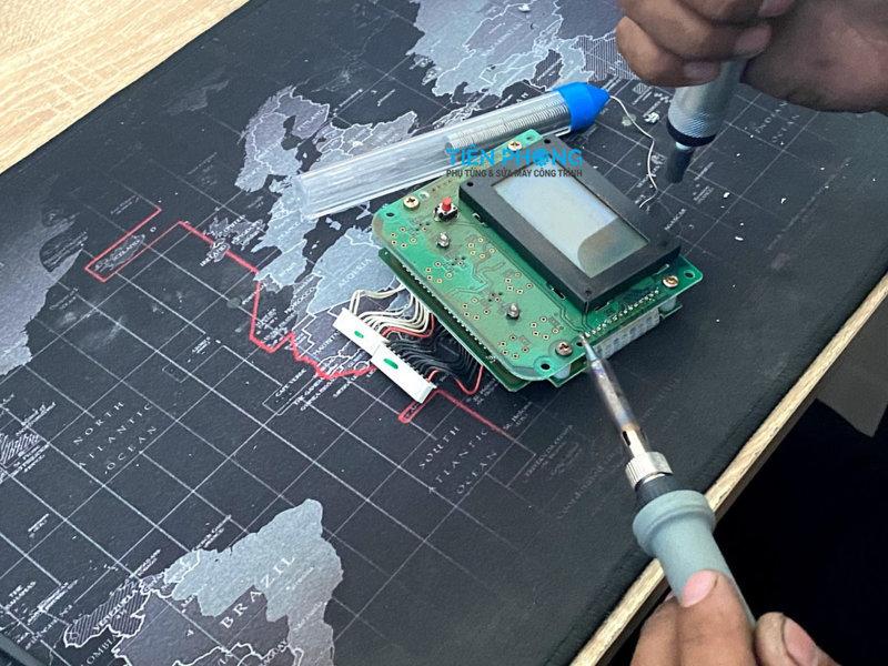 Sửa Taplo, đồng hồ máy xúc, máy công trình
