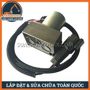 TIENPHONG PC200 7 702 21 57400 4 300x300 - Van điện từ điều khiển bơm thủy lực PC200-7 | 702-21-57400